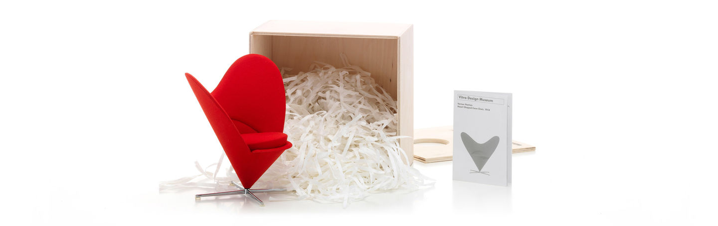 Heart-Shaped Cone Chair_Miniature_web_sub_hero