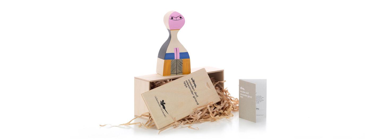 Wooden Doll No. 15 box_web_sub_hero