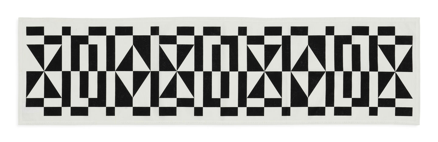 Table Runner Geometric E black_web_sub_hero