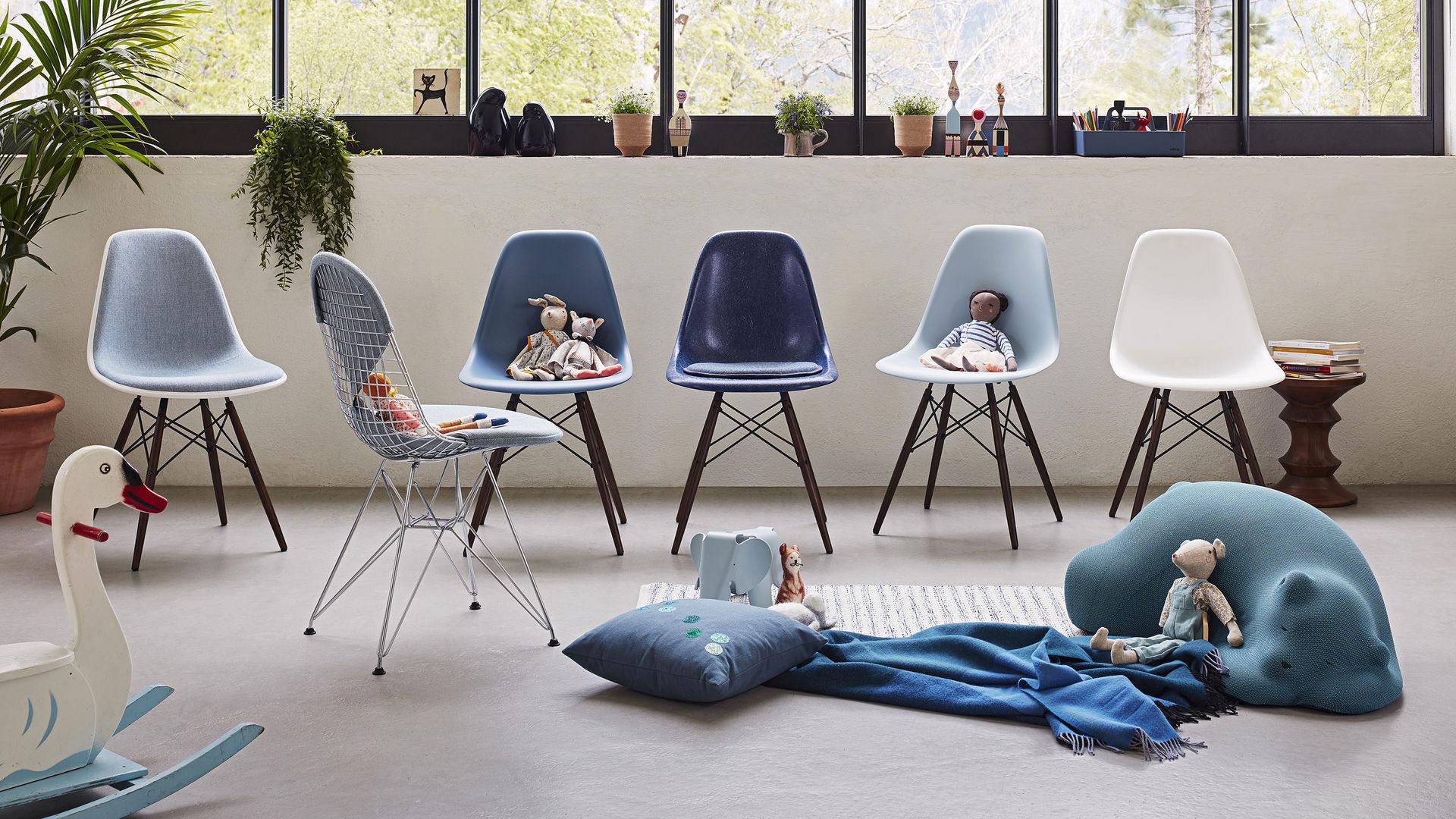 Eames Fiberglass Side Chair DSW Eames Plastic Side Chair DSW Eames Wire Shell DKR_Web_16-9