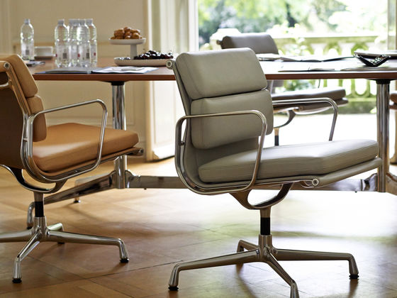 Charles Eames Bureaustoel.Vitra Soft Pad Chairs Ea 217 219