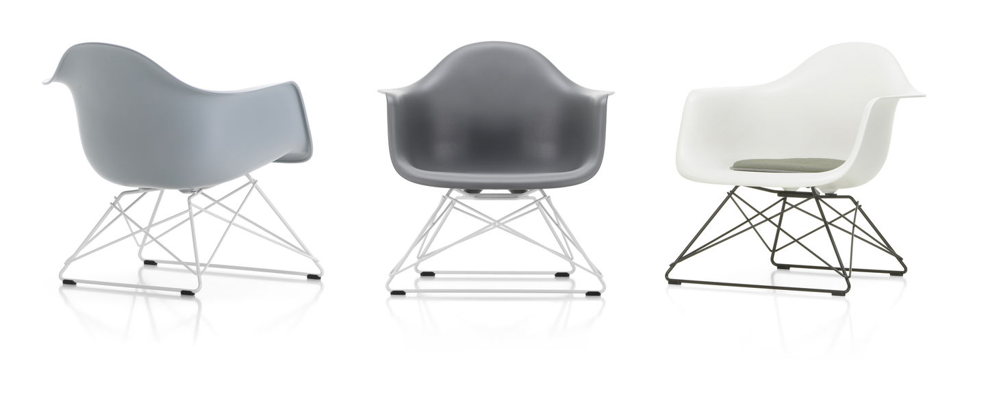 Eames Plastic Armchair LAR - 24 light grey - 04 white powder-coated - right_web_sub_hero