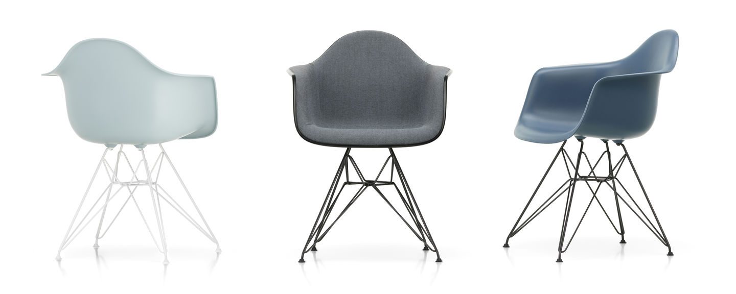 Eames Plastic Armchair DAR - 23 ice grey - 04 white powder-coated - right_web_sub_hero
